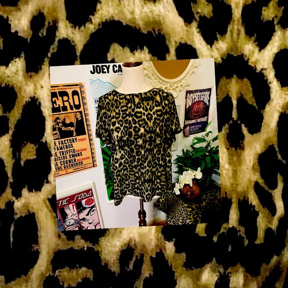 Forever 21 Leopard Print Top Size M